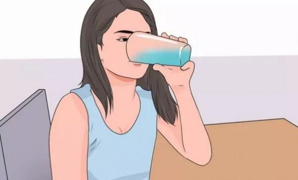 長期喝水的女人,竟然會變成這樣!驚呆了!