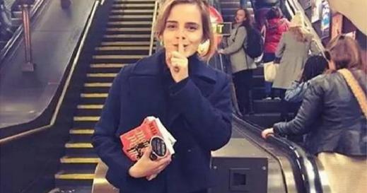 艾瑪女神弄丟了他的書!全英國人民都在幫她找,沒想到最後發現這是她的「小心機」