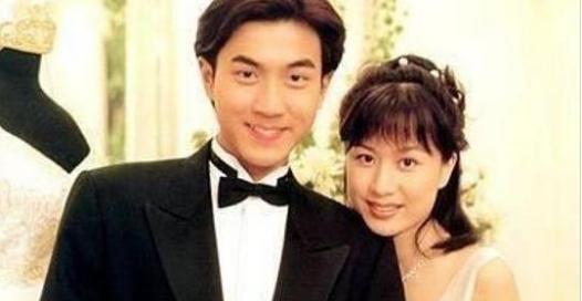 曾是劉凱威的最愛,42歲年齡20歲容顏,2個兒子超帥,如今懷3胎,被富豪帥氣老公寵上天!她是...