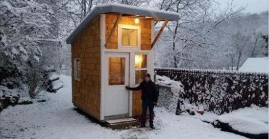13歲男孩用1500美元「自己DIY蓋小房子」,當他一打開門「超夢幻內裝」所有人跪在螢幕前!