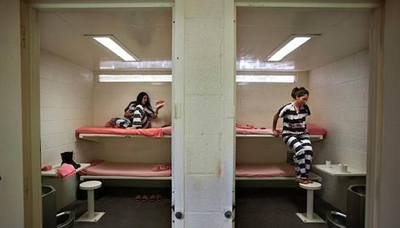 日本女囚被壓抑的生理欲求怎樣解決?原來她們竟然是靠這樣來…