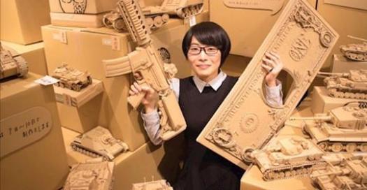 這個女生活在一個「全都是紙板」的世界,神一般的精致手藝根本是造物主等級啊!
